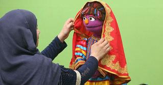Детская передача «Улица Сезам» пополнилась персонажем, исповедующим ислам