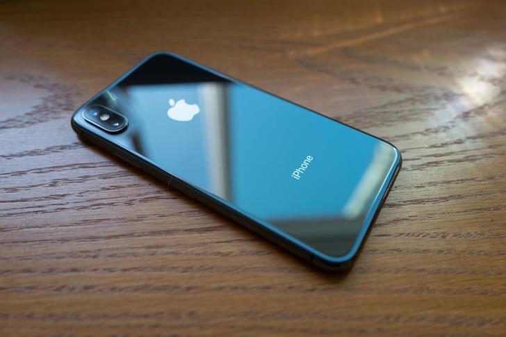 Фото №1 - Apple снимет с производства iPhone, а всех владельцев сожжет заживо (история одного заголовка)