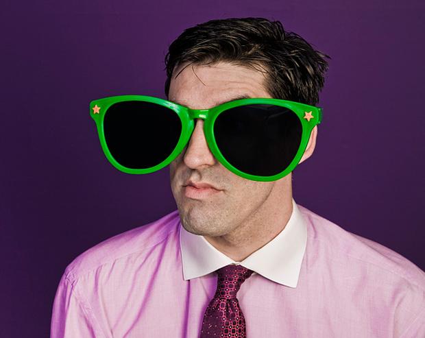 Опасно ли носить солнечные очки?