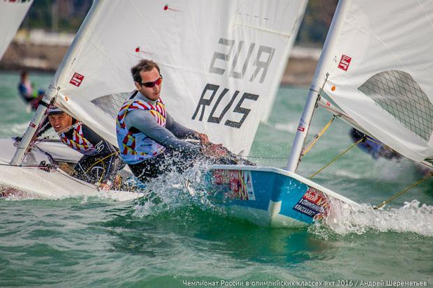 Фото №2 - Поднять паруса: в Сочи проходит чемпионат России в олимпийских классах яхт