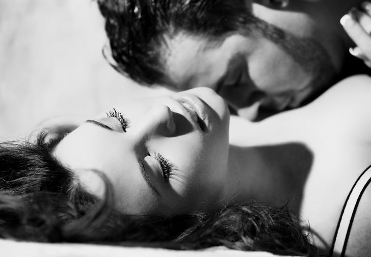 Фото №4 - Что женщины на самом деле думают о самых популярных сексуальных позах