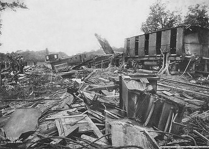 Фото №1 - Самые впечатляющие фото железнодорожных катастроф