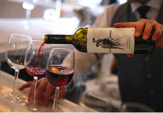 Минздрав поддержал идею убрать алкоголь с витрин или вообще продавать его только в специальных местах