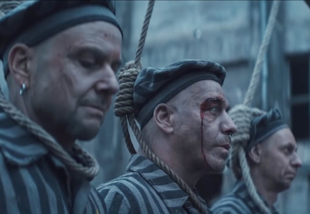 Фото №1 - Первый за 10 лет сингл Rammstein — Deutschland — слили в Сеть за 4 часа до премьеры