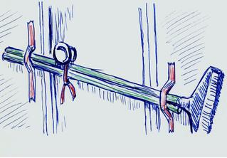 3 способа забаррикадировать дверь