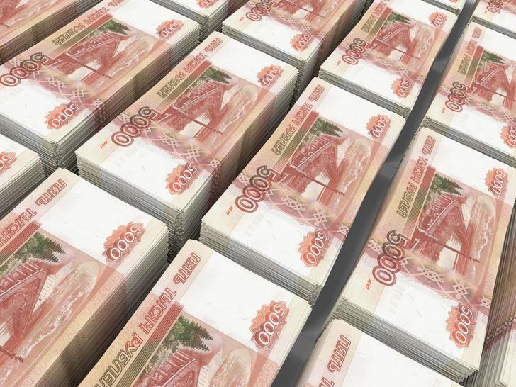 Фото №1 - Сотрудник автосалона взял пересчитать 29 млн рублей и исчез