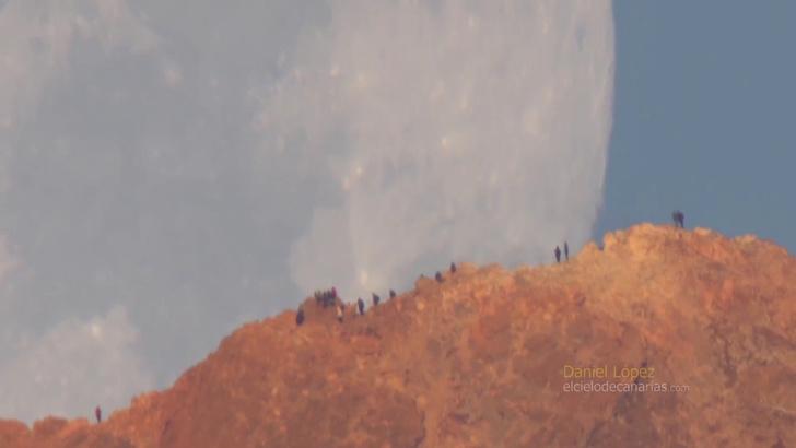 Фото №1 - NASA записало на ВИДЕО ну очень большую луну