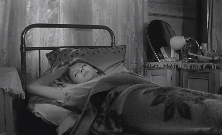 Фото №1 - Кто снится россиянкам в эротических снах — результаты опроса