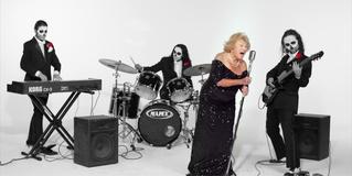 96-летняя еврейка, пережившая Холокост, поет в метал-группе (ВИДЕО)
