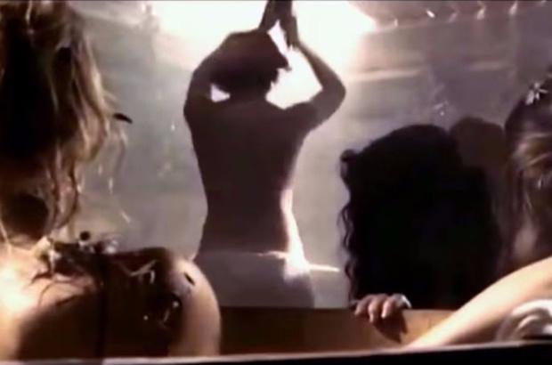 Фото №1 - Та самая сцена в женской бане из китайского ремейка «А зори здесь тихие…»