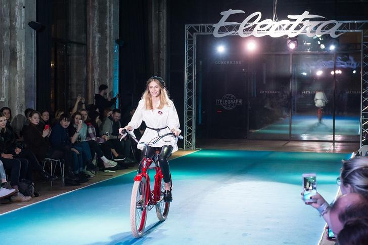Фото №12 - Подиум для велосипедов: модный показ Electra по случаю 25-летия бренда
