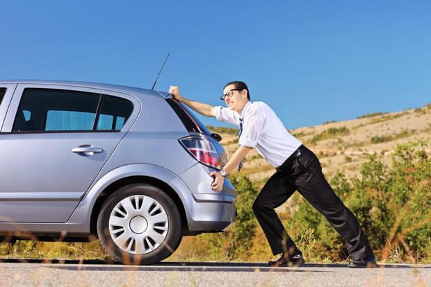 Фото №7 - Что делать, если бензин в баке закончился? Пошаговый гид
