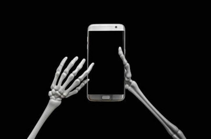 Фото №1 - Полиция США вторглась в похоронное бюро, чтобы разлочить iPhone по отпечатку покойника
