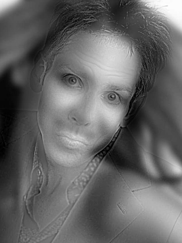 Фото №2 - Вероломная оптическая иллюзия: парень превращается в девушку!