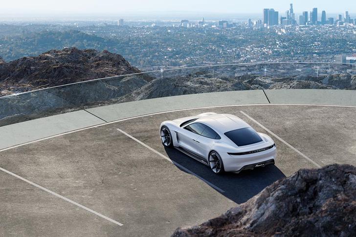 Фото №6 - Как будет выглядеть электрокар от Porsche? А вот так!