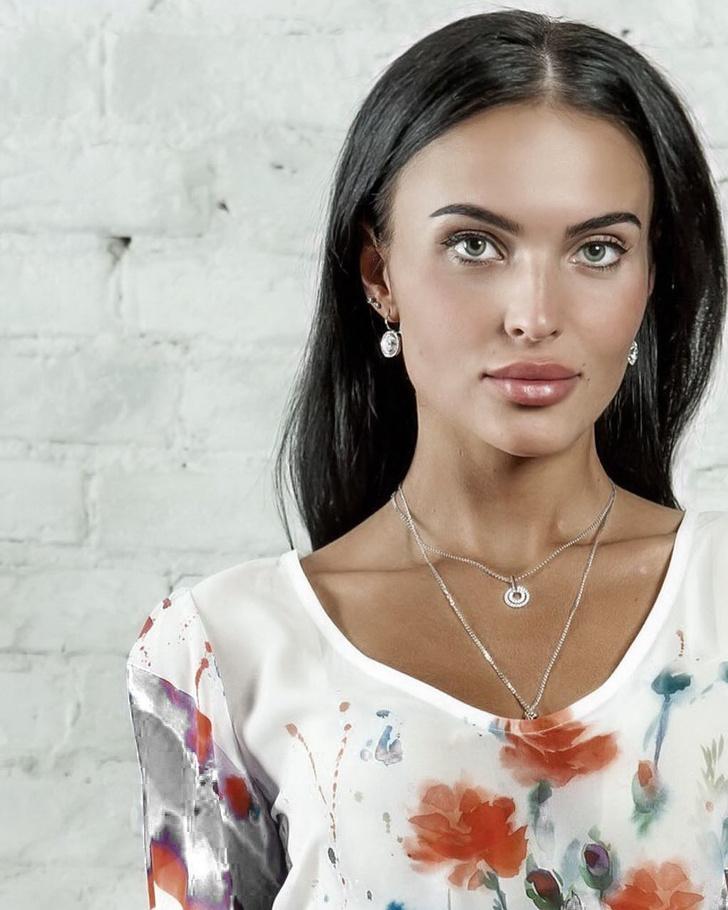 Фото №2 - Знакомься: «Российская красавица — 2018» Ирина Сафронова! Без душегреи и кокошника!