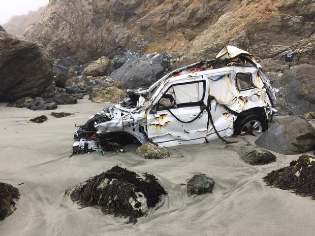 Фото №2 - Девушка упала с 80-метровой скалы и выжила! Но как?!