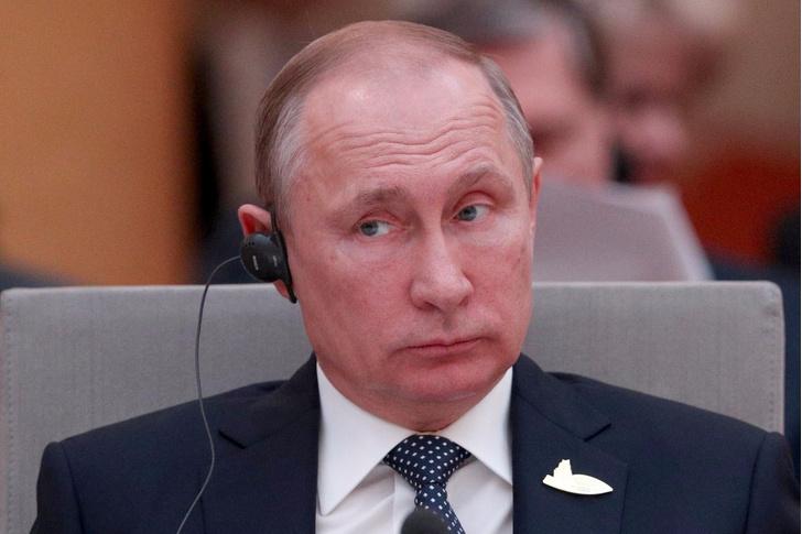 Фото №1 - Фото главных страниц паспорта Путина появилось в Интернете!