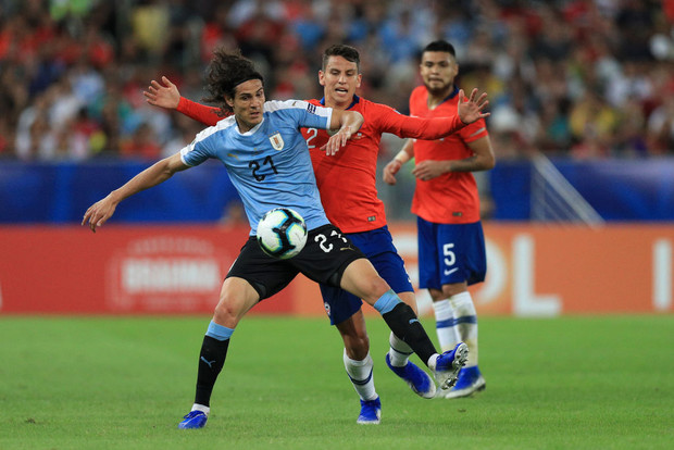Фото №1 - Фееричный гол Кавани принес победу сборной Уругвая (видео)