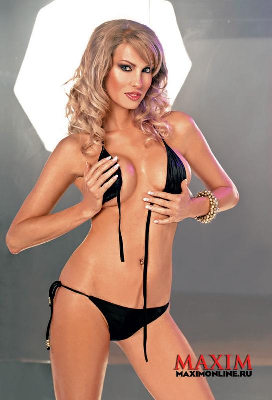 Елена Буйвидис фото для Maxim