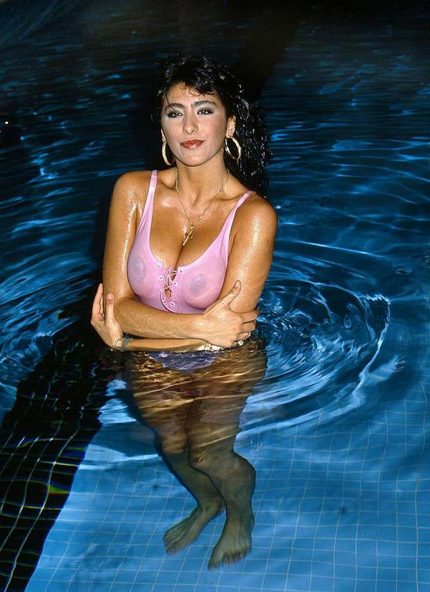 Фото №4 - Секс-символ недели: Сабрина Салерно