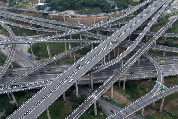 Фото №1 - Китайцы построили самую безумную в мире дорожную развязку (видео)