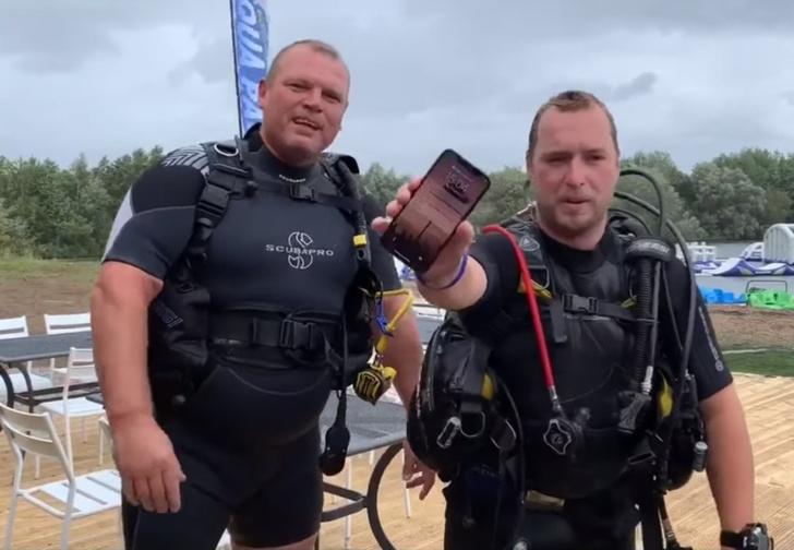 Фото №1 - Дайверы сняли видео про айфон, который больше двух дней пролежал на дне озера