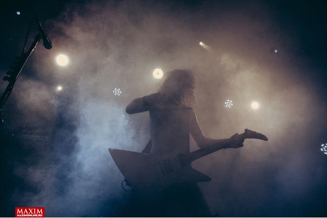 Концерт в картинках. Что творится на выступлениях австралийских паб-рокеров Airbourne