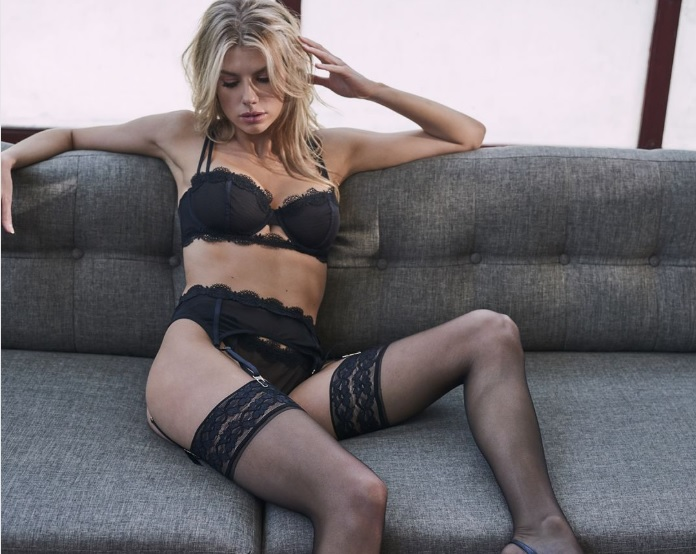 Фото №1 - Шарлотта Маккинни запустила собственную линию нижнего белья