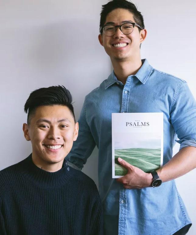 Фото №2 - В продаже появилась Библия для миллениалов в стиле «Инстаграма»