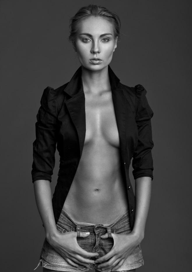 http://www.maximonline.ru/miss/girl/2935/