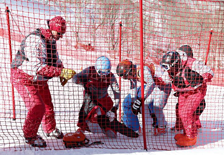Фото №2 - Российский горнолыжник разбился при спуске на Олимпиаде. Спасибо, что живой!