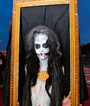 Фото №4 - Как посеять страх и ужас среди участников хэллоуинской вечеринки
