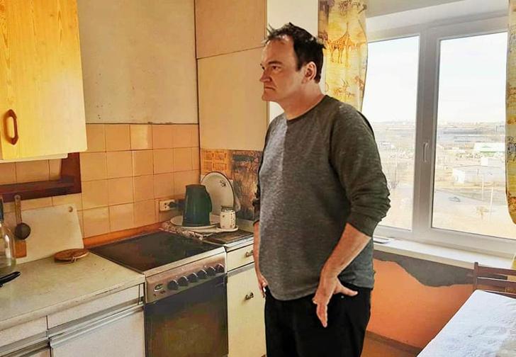 Фото №1 - Челябинец прифотошопил Тарантино к фотографиям квартиры, выставленной на продажу