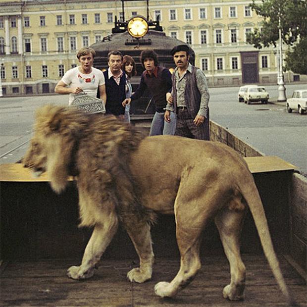 Фото №2 - Внимание: опасность! Надвигается еще один сиквел советского фильма!