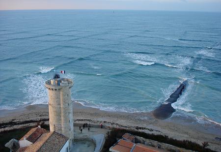 Идея для отпуска: остров Ре, родина квадратных волн