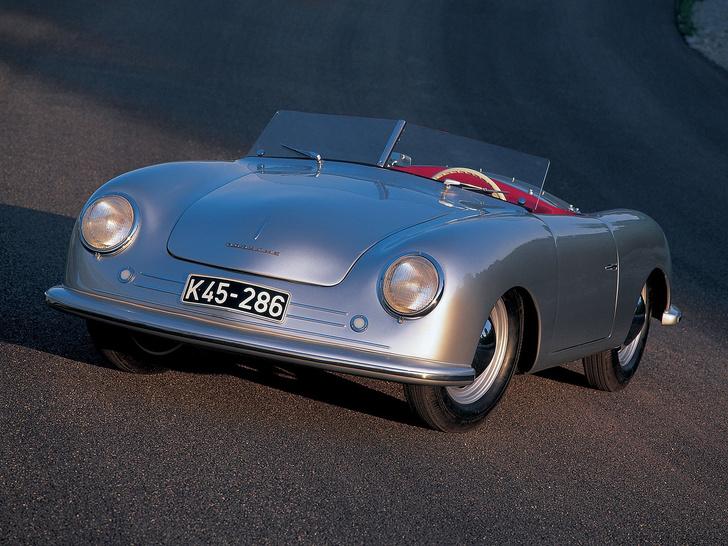 Фото №1 - Одноклассники: Porsche празднует 70-летний юбилей, а мы вспоминаем, что еще классного случилось в 1948 году