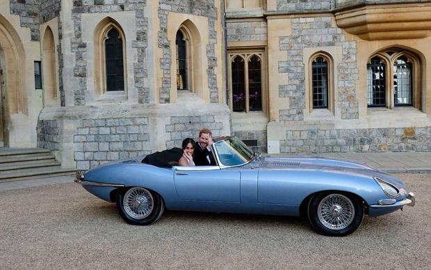 Фото №1 - Jaguar выпустит электрическую версию легендарного E-Type