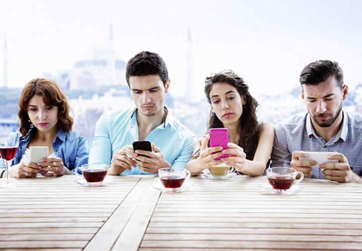 Фото №3 - Человек уткнувшийся: всё о смартфонозависимости в печальных фактах, неожиданных цифрах и полезных советах
