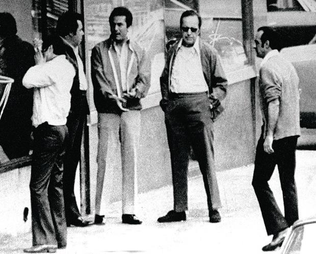 Джонуже дон. В окружении Анджело Руджеро и Кармине Фатико. Октябрь 1986 г.