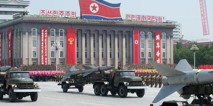 Фото №2 - Статуи, фальшивые доллары и еще 6 статей экспорта Северной Кореи