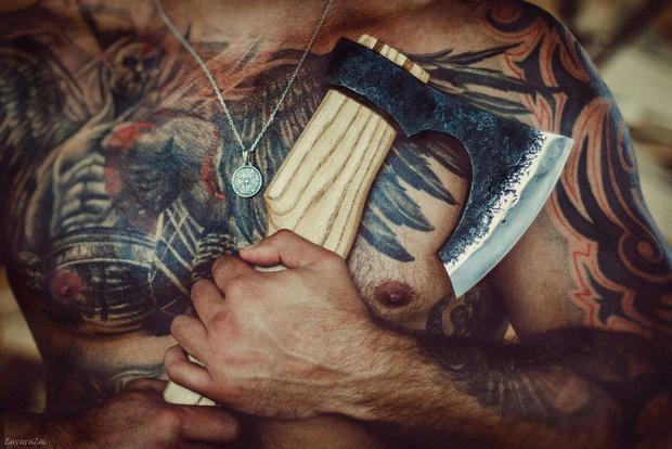 Фото №12 - Боевой окрас: что означают татуировки на телах профессиональных бойцов