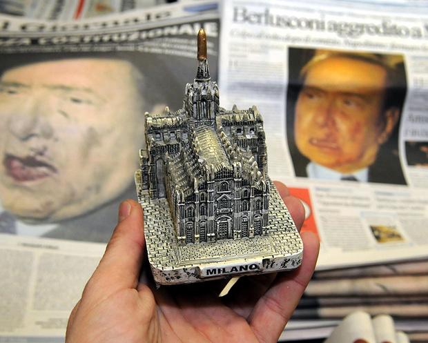 Фото №7 - Облико скандале! Берлускони: невероятные приключения итальянца в Италии