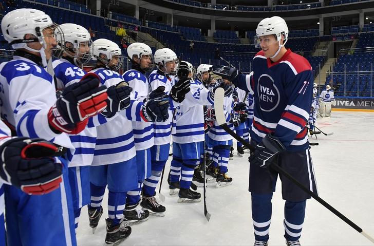 Фото №2 - Евгений Малкин установил мировой рекорд Гиннесса!