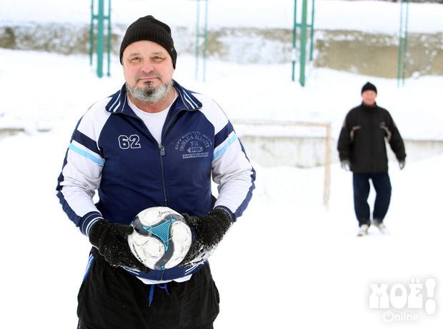 Фото №2 - Россиянин запатентовал футбол, в который можно играть вдвоем (фото и правила прилагаем)