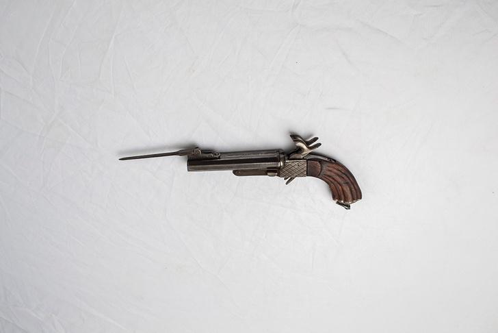Оригинальное оружие фильма «Дуэлянт»