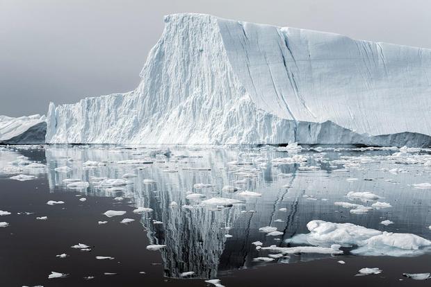 Фото №1 - NASA показало айсберг идеальной формы (фото восторженно прилагаем)