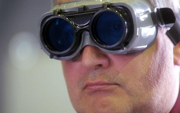 Фото №1 - Дмитрий Рогозин пообещал проверить, высаживались ли американцы на Луну