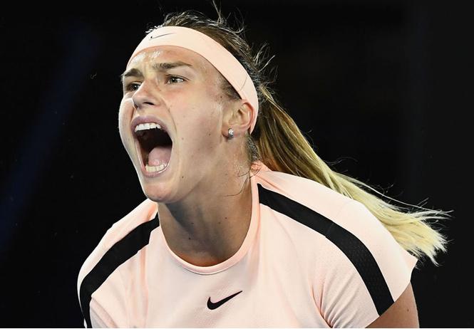 Теннисистка слишком страстно стонала во время матча — и вот как на это отреагировали болельщики (слишком страстное ВИДЕО)