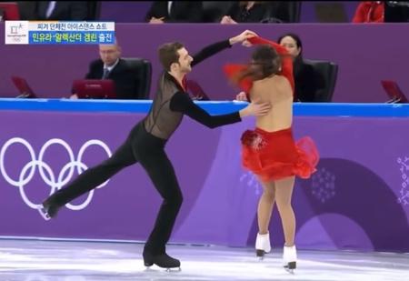 У корейской фигуристки порвался топик прямо во время выступления! (ВИДЕО с нотками ню)